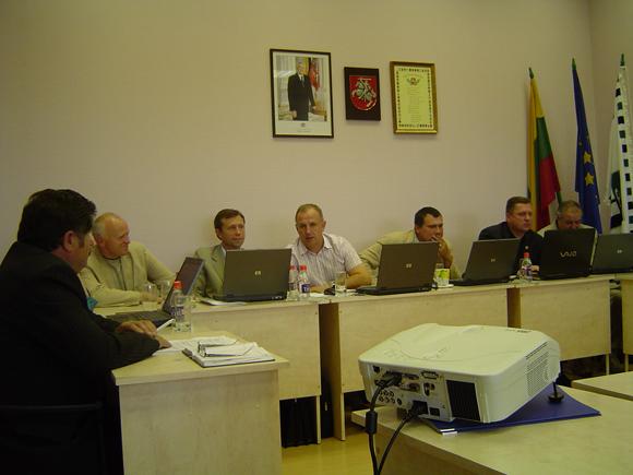 Tarybos Ekonomikos ir finansų komitetą netrukus papildys 13 - tas narys. (O. Lidžiaus nuotr.)