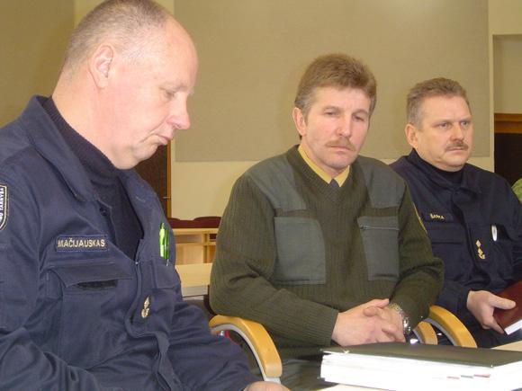 K. Šarkos (dešinėje) atlaisvintas pareigas laikinai eina R. Mačijauskas (kairėje) (silutesetazinios.lt archyvo nuotr.)