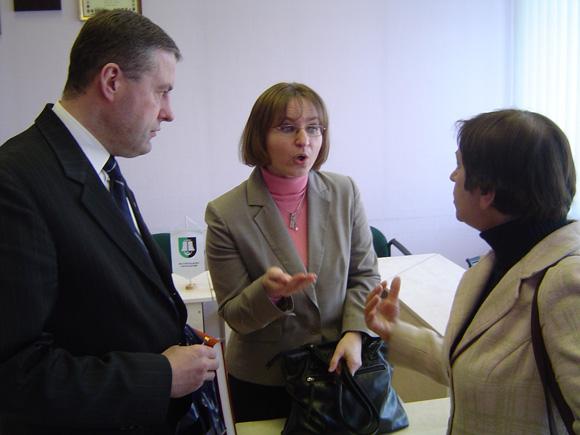 S. Pocytė (centre) įsitikinusi, kad sakyti, jog Šilutės miestui šiemet sueina 500 metų - didelė klaida. (Oresto Lidžiaus nuotr.)