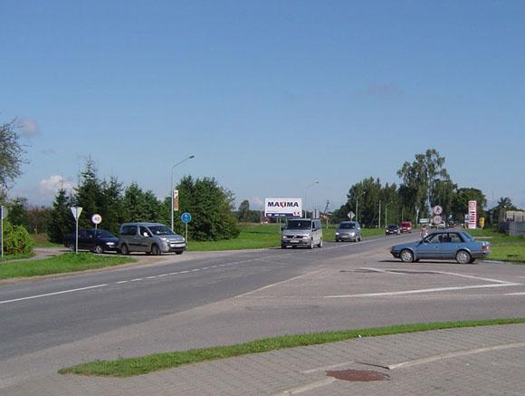 Šioje Klaipėdos ir Gluosnių gatvių kryžkelėje šį rudenį bus įrengta pirmoji Šilutės mieste žiedinė sankryža. (Oresto Lidžiaus nuotr.)