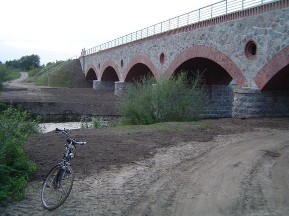 Geležinkelio tiltas per Šyšos upę Šilutėje. (Oresto Lidžiaus nuotr.)