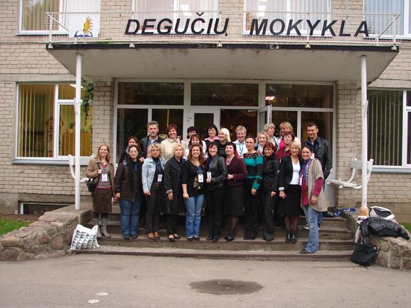 Lietuvos, Turkijos, Ispanijos, Čekijos ir Slovėnijos mokytojai Degučiuose. (Degučių m-los nuotr.)