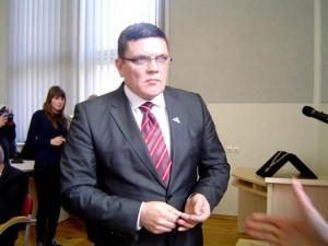 P. Tunaitis tvirtina, kad kiekvieną mėnesį kelionėms pas rinkėjus išleidžia po 1000 litų.