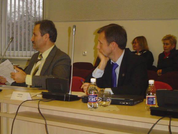 Šilutės rajono valdančiųjų pareiškimas pribloškė opozicijos lyderį A. Gečą (dešinėje). (Oresto Lidžiaus nuotr.)