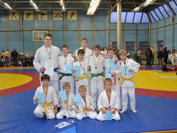 Kalėdiniame dziudo turnyre Šiauliuose šilutiškiai imtynininkai iškovojo 11 medalių. (Rimvydo Lukošiaus nuotr.)