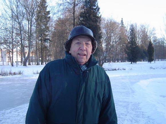A. Kantminui – jau 76 – eri, bet jis vis dar tvirtai stovi ant pačiūžų. (Oresto Lidžiaus nuotr.)