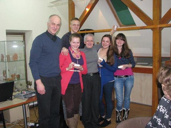 Antrąjį 'Europrotų' mūšį laimėjo Šilutės Vydūno gimnazijos gimnazistų ir mokytojų komanda 'Zigzagas'. (Šilutės bibliotekos nuotr.)