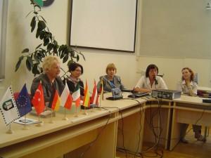 Projekto dalyvius Savivaldybėje priėmė mero pavaduotoja S. Skutulienė (kairėje) (Oresto Lidžiaus nuotr.)