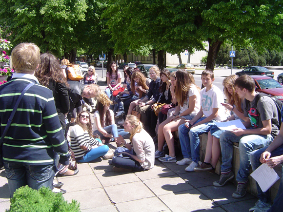 Projekto dalyviai prieš susitikimą Savivaldybėje. (Oresto Lidžiaus nuotr.)