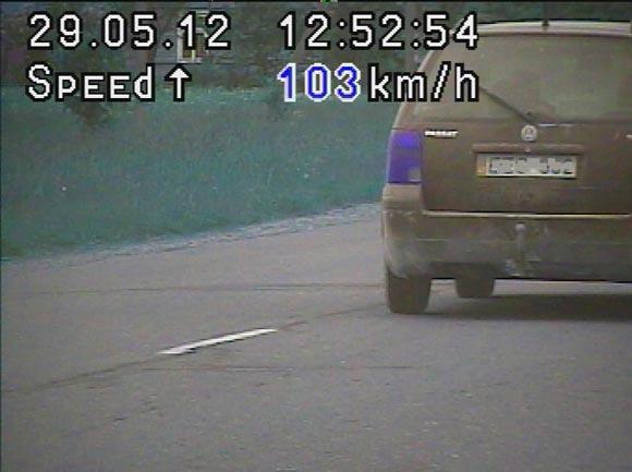 Gorainių kaime užfiksuotas 103 km/h greičiu lekiantis automobilis. (Policijos nuotr.)