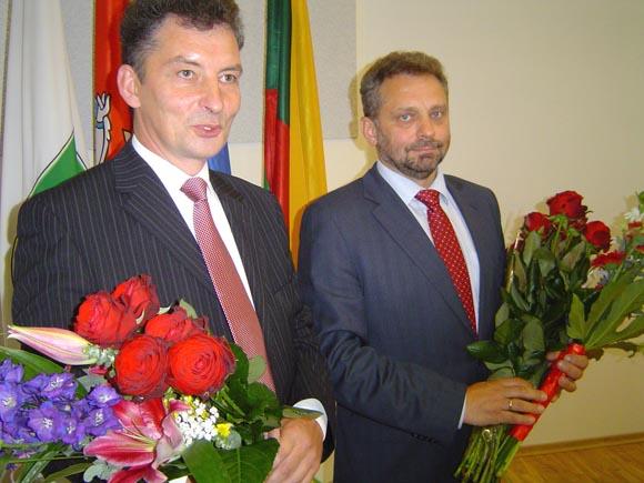 V. Kamarauskas (kairėje) su A. Šimelioniu jau nuo šio penktadienio pradeda dirbti administracijos direktoriaus pavaduotojais. (Oresto Lidžiaus nuotr.)
