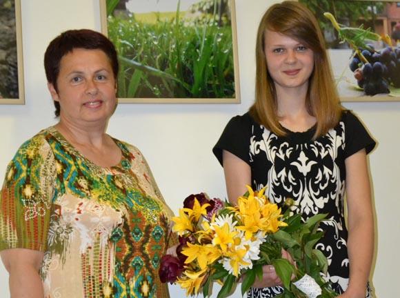 N. Drobnytė su mama D. Drobniene. (Salos etnokultūros ir informacijos centro nuotr.)