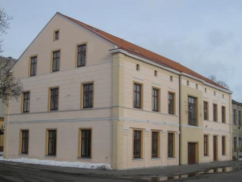 Šilutės r. savivaldybės taryba persigalvojo: su Seimo nariu A. Endzinu susijusios įmonės pastatas Salos etnokultūros ir informacijos centro reikmėms nebus nuomojamas. (silutesetazinios.lt archyvo nuotr.)