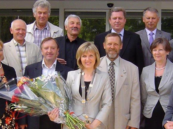 D. Žebelienės (centre) komanda iš Pozingio koalicijos paveldėjo suskilusią geldą. (Oresto Lidžiaus nuotr.)