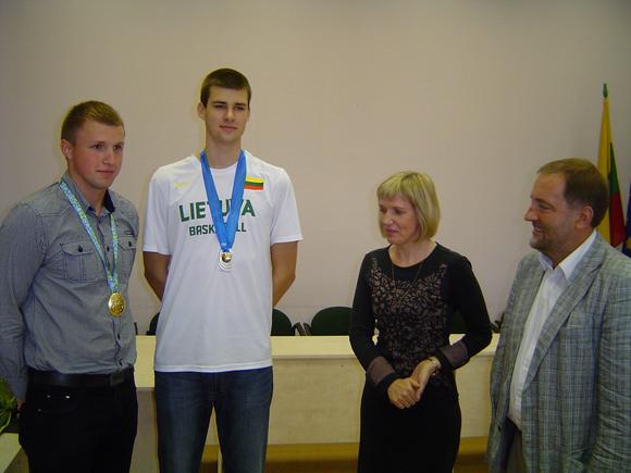 Iš kairės: D. Pukis, B. Griciūnas, D. Žebelienė, Š. Laužikas. (Oresto Lidžiaus nuotr.)