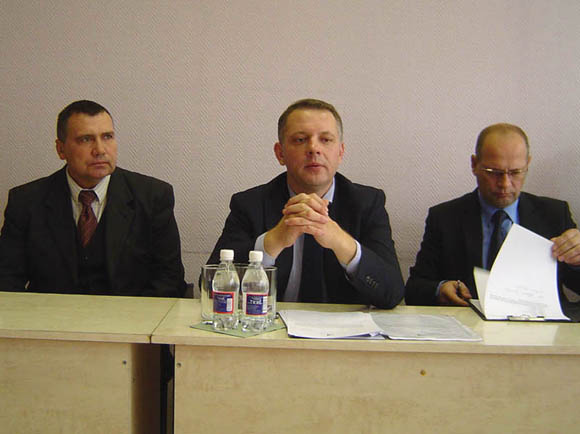 E. Masiulis (centre) su R. Plikšniu (kairėje) ir R. Ambrozaičiu. (Oresto Lidžiaus nuotr.)