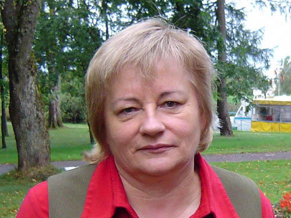 N. Endrikaitienė tapo pirmąja Lietuvoje rajoninės medžiotojų ir žvejų draugijos pirmininke moterimi. (Oresto Lidžiaus nuotr.)