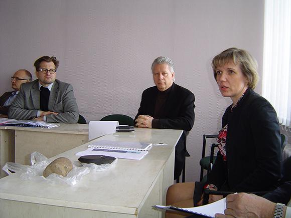 Iš dešinės: Šilutės r. savivaldybės merė D. Žebelienė, 'Chevron' dukterinės įmonės vadovas G. Ankenbauer. (Oresto Lidžiaus nuotr.)