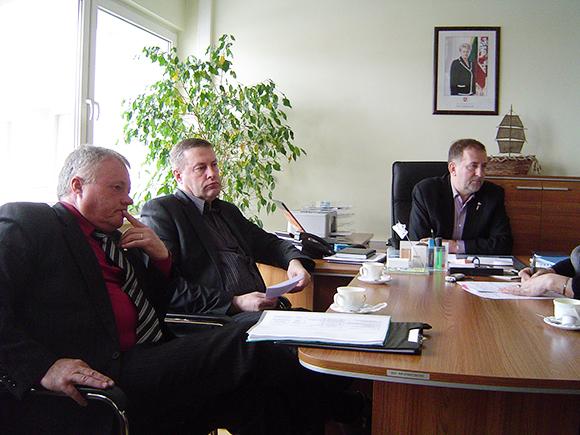 Darbo grupės nariai (iš kairės): A. Jakubauskas, V. Pozingis, Š. Laužikas (pirmininkas). (Oresto Lidžiaus nuotr.)
