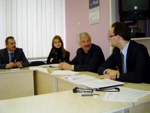 Darbo grupė pritarė A. Balčyčio (antras iš dešinės) pasiūlymui sodinti mieste daugiau medžių. (Oresto Lidžiaus nuotr.)