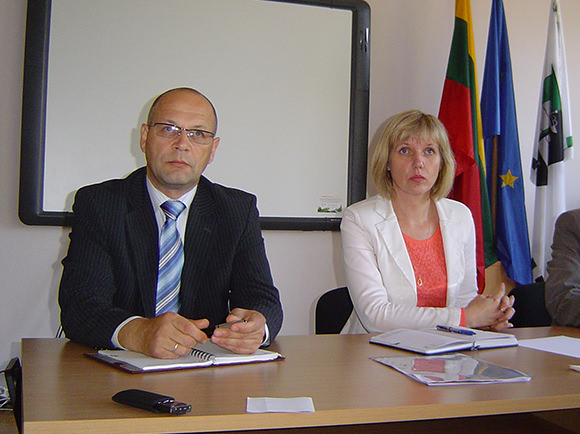 D. Žebelienė ir R. Ambrozaitis iš Tarybos narių sulaukė daugiau liaupsių ir plojimų nei kritikos. (silutesetazinios.lt archyvo nuotr.)