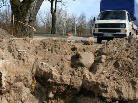 Po paveldosaugininkų apsilankymo kasimo darbai Verdainėje sustabdyti, artimiausiu metu bus organizuojami archeologiniai tyrimai. (Laisvūno Kavaliausko, KPD, nuotr.)