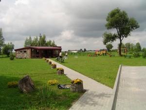 Bendruomenės namų teritorija.