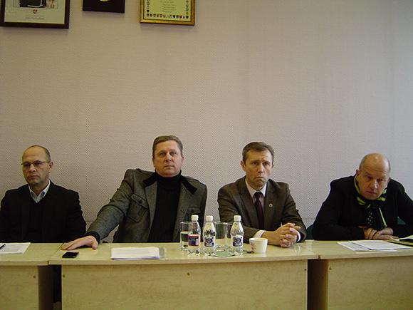 Tarybos opozicija savo lyderiu išrinko A. Jaką (antras iš kairės). (Oresto Lidžiaus nuotr.)