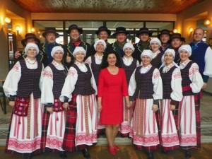 'Juknaičių' šokėjai. (Salos etnokultūros ir informacijos centro nuotr.)