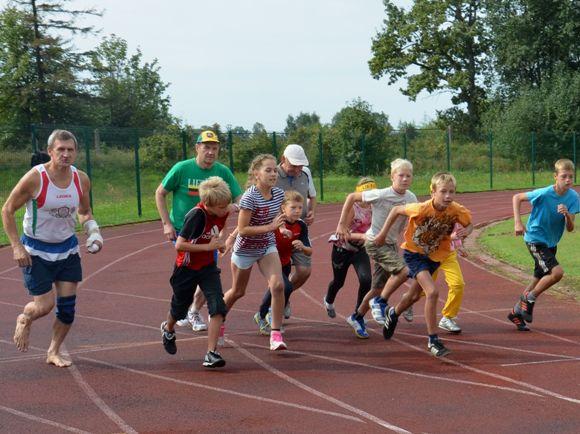 Ši graži proga dar kartą suvienijo bėgimo mėgėjus. (Rimos Lukošienės nuotr.)