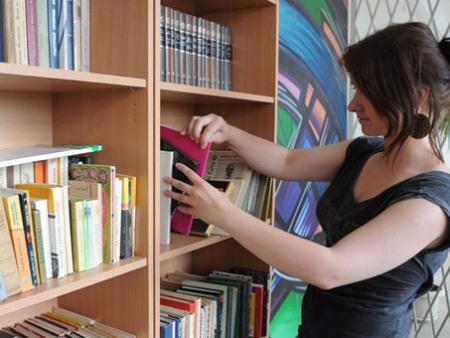 Nebūtina kaskart eiti į biblioteką - 1000 knygų dabar jau galima perskaityti savo kompiuteryje. (Viliaus Mačiulaičio, ve.lt, nuotr.)