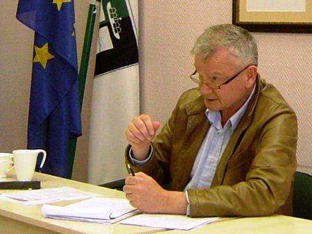 J. Jatautui kyla klausimų, kurie turėtų patikti ne visiems tarybos nariams. (www.silutesetazinios.lt archyvo nuotr.)