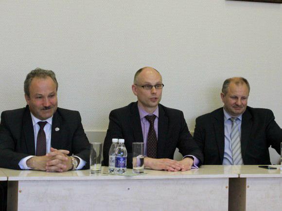 Ministras T. Žilinskas (centre): Lietuvos politinę padangę temdantys skandalai - STT ir Prokuratūros reikalas. (Oresto Lidžiaus nuotr.)