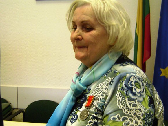 S. Starkienė apdovanota ordino 'Už nuopelnus Lietuvai' medaliu. (Oresto Lidžiaus nuotr.)
