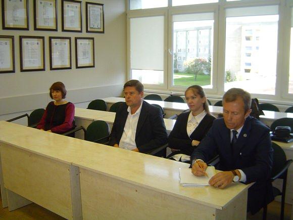 Į antrąjį etapą pateko vienintelė A. Tamošauskienė (pirma iš kairės). (Oresto Lidžiaus nuotr.)