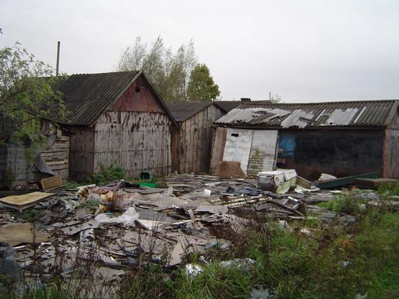 Įtariama, kad naftos produktais užterštas gruntas galėjo būti gabenamas į taip vadinamą Šanchajų ir ten paskleistas. (www.silutesetazinios.lt archyvo nuotr.)