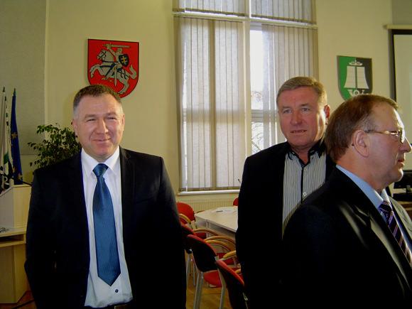 Už A. Pupšio  (kairėje) kandidatūrą į vicemerus balsavo tik 9 tarybos nariai. (Oresto Lidžiaus nuotr.)
