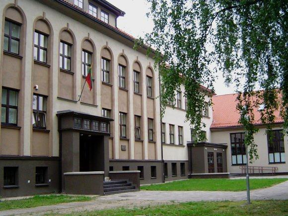 Daugiausiai šimtukų gavo Vydūno gimnazijos abiturientai. (www.silutesetazinios.lt archyvo nuotr.)