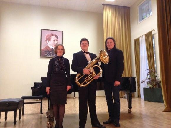 K. Nognius (centre) su savo mokytoju G. Raila ir koncertmeistere G. Augaityte. (G. Railos asmeninio archyvo nuotr.)