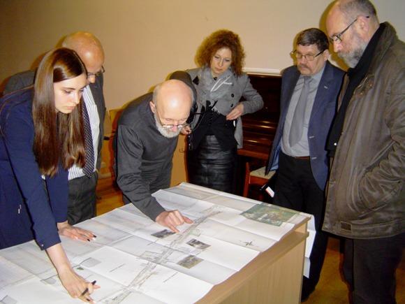 Į projektinių pasiūlymų pristatymą susirinko vos keli šilutiškiai. (Oresto Lidžiaus nuotr.)
