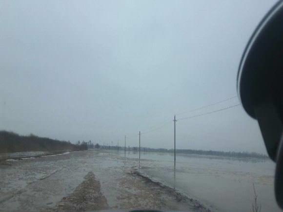 Kelias į Miniją sunkiai išvažiuojamas. (Minijos kaimo gyventojų nuotr.)