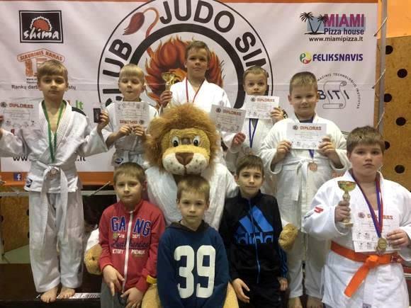 Šilutės dziudo klubo atstovai turnyre Alytuje iškovojo 5 medalius. (R. Lukošiaus nuotr.)