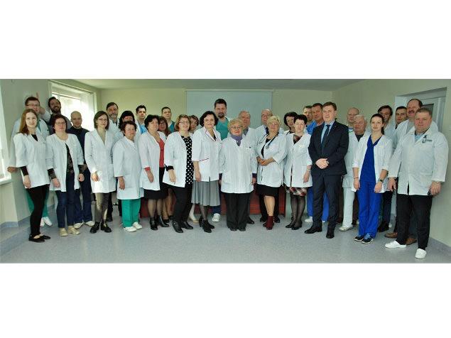 Gydytojai Pranevičiai išlydėti užtarnauto poilsio. (Šilutės ligoninės nuotr.)