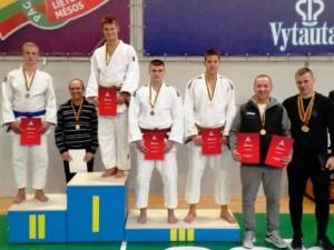 Dominykas Šatkus iškovojo žaidinių sidabrą, Edvardas Sagalec - bronzą.