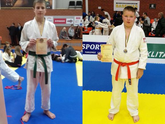 U. Knapkis (kairėje) ir M. Sungaila, Lietuvos moksleivių dziudo pirmenybių prizininkai.