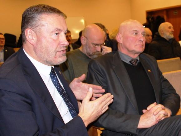 V. Pozingio (kairėje) vietą partijos skyriuje gali užimti A. S. Nausėda (dešinėje). (www.silutesetazinios.lt archyvo nuotr.)