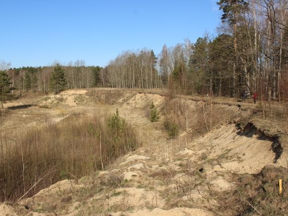 Dalis motokroso trasai skirto sklypo patenka į Lietuvos kultūros paveldo objekto - Šilmeižių senovės gyvenvietės teritoriją. (Oresto Lidžiaus nuotr.)